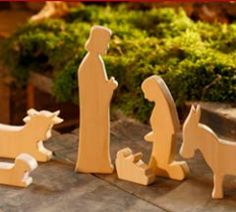 wood patterns free Nativity http://www.landlust.de/dl/3/4/1/2/1/8/krippe.pdf