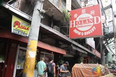 BINONDO: 15 Places to Try on your Next Binondo Food Crawl! • Our Awesome Planet Fried Beef, Fried Chicken, Chinese Pancake, Pork Sisig, Pork Floss, Lechon Kawali, Siomai, Chinese Sausage, Calamansi