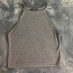 Grey crop top Grey knit crop *great condition* Forever 21 Tops Crop Tops