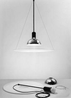 FRISBI    Lampada a sospensione    1978 Progetto: Achille Castiglioni    1978 Produzione: Flos
