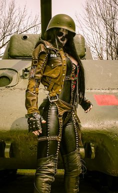 Simply stated--Toxic Vision is the methodical chaos of one. Chat Steampunk, Mode Steampunk, Style Steampunk, Gothic Steampunk, Steampunk Fashion, Mad Max, Toxic Vision, Cosplay, Wasteland Warrior