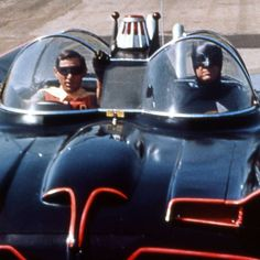 Adam West & Burt Ward in the Batmobile. It's the original batmobile! Created by George Barris from a 1955 Ford Futura Batgirl, Catwoman, Nightwing, Classic Tv, Classic Cars, Porsche Classic, Original Batmobile, Mejores Series Tv, Batman 1966