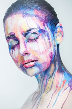 2D Portraits Painted Onto Human Faces   so cool
