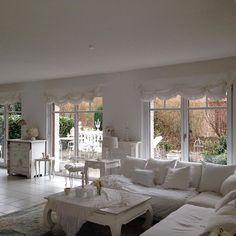 #vintage #white #whitehome#whiteliving #whitelivingroon