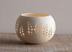 porselein kaars houder ontwerp N.8. bruiloft keramische serviesje. Porselein thee licht Delight collectie door Wapa Studio.