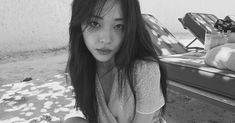 Sulli black and white Our pretty angel Summer Hairstyles, Up Hairstyles, Sulli Choi, Korean Celebrities, Her Smile, Pretty People, Kpop Girls, Cool Girl, Idol