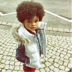 This kid is overwhelmingly adorable! #NaturalHair #Curls #fro #afro