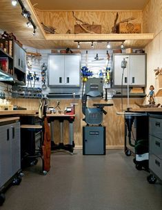Woodworking Projects & Plans (@thehomewoodwork) • Instagram photos and videos | Woodshop Ideas Project |  Woodworking Shop Plans  | How To Build A Workshop From Scratch | Woodworking Shop Floor Plans | Workshop Layout Planner. #woodworkinglove #Workshop Organization Diy