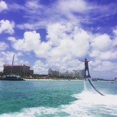 loving paradise. @oscarparceritooo #delphi #watersports #zapataracing #aruba #flyboard