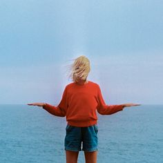 Jimmy Marble. Blue & Orange color combination