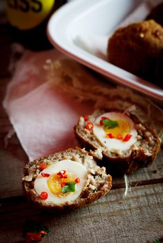 Scotch Eggs: had delicious ones at dinner last night. Breakfast Items, Breakfast Recipes, Scotch Eggs, British Baking, Different Vegetables, Egg Recipes, Appetisers, Health Desserts, Recipes