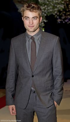 Rob looking fine at the premiere of Breaking Dawn Part One in London, November 2011 ~ MelbieToast edit