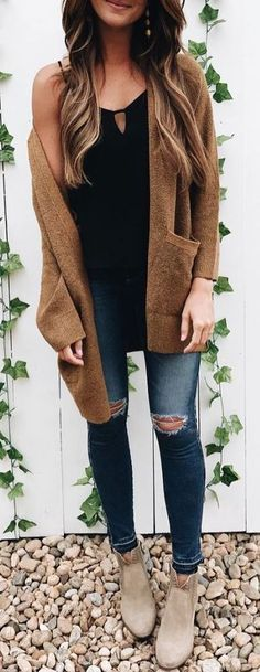 fall outfit ideas / booties + camel coat