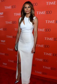 Melania Trump Cutout Dress - Melania Trump opted for an on-trend slashed white gown by Mugler for her Time 100 Gala look. Time 100, Melania Trump Dress, First Lady Melania Trump, Trump Melania, Melania Knauss Trump, Us First Lady, First Ladies, Ivanka Trump Style, Trump Photo