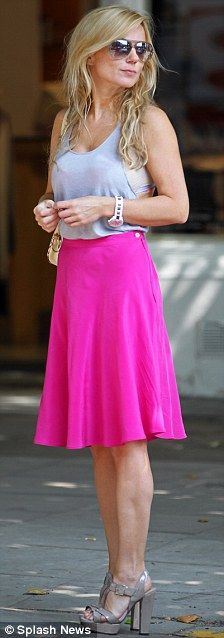 Pretty in pink: Geri was seen earlier today wearing a pink skirt an grey vest top as she enjoyed the sunshine in Hampstead Cute Skirts, Mini Skirts, Petite Outfits, Petite Clothes, Geri Halliwell, Beautiful Outfits, Beautiful Clothes, Spice Girls, Skirt Outfits