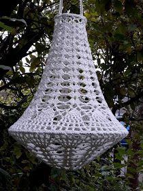 Lindevrouwsweb: Kroonluchter Alexia Lampe Crochet, Crochet Basket Pattern, Macrame Patterns, Lamp Shades, String Art, Fun Crafts, Tatting, Lanterns, Crafty