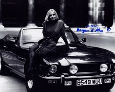 BOND GIRL MARYAM d'ABO THE LIVING DAYLIGHTS AUTOGRAPHED PHOTO