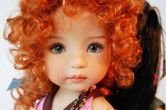"""Muchas veces cuando vemos a una niña muy bonita se suele decir """"esta niña tiene carita de muñeca"""". Hoy he descubierto a Dianna Effner una mu..."""