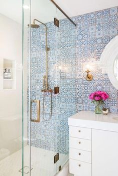 9 Brilliant Tips: Shower Remodel Floor shower remodel with window glass blocks.Shower Remodel Ideas With Window shower remodeling diy renovation.Tub To Shower Remodel Before And After. Diy Bathroom Remodel, Shower Remodel, Bathroom Interior, Bathroom Renovations, Bathroom Makeovers, Tiny Bathrooms, Amazing Bathrooms, Bathroom Small, Comfort Room Tiles Small Bathrooms