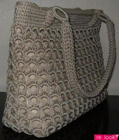 Hmm, stitch idea - do the broomstick part in fabric yarn and the crochet-overs in regular yarn.Crazy about arts - HandbagI love all these types of bags they are showing and whats great are the endless ideas using vintage crocheted items that are are Crochet Tote, Crochet Handbags, Crochet Purses, Filet Crochet, Crochet Crafts, Crochet Stitches, Crochet Projects, Knit Crochet, Crochet Designs