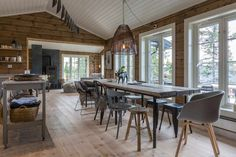 Cottage Kitchen A Cabin Theme for Your Residence Adorning Wants On the subject of house adorning the Log Home Interiors, Cottage Interiors, Cabin Homes, Log Homes, Scandinavian Cabin, Getaway Cabins, Interior Windows, Pole Barn Homes, Cottage Design