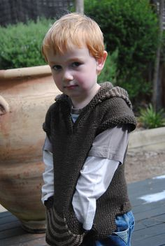 Hotshot by Julia Stanfield goes up to size ten and is easily adaptable. Such a cute hoodie! Baby Cardigan Knitting Pattern, Knitting Patterns, Sweater Patterns, Knitting For Kids, Baby Knitting, Mommy And Son, Hand Printed Fabric, Cute Hoodie, Kid Styles