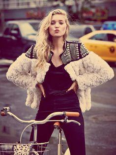 New Women Faux Fur Winter Warm Coat Lady Hand Beaded Jacket Punk Rivet Outwear