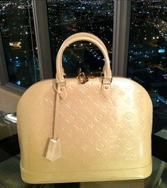 Designer Handbags | Fashion Designers | Fashion Handbags Louis Vuitton Outlet, 2016 Latest Louis Vuitton Handbags Only $190 For This Site, The More Attention You Pay To LV Handbags, The More Information You Can Get, Shop Now! #Louis #Vuitton #Handbags