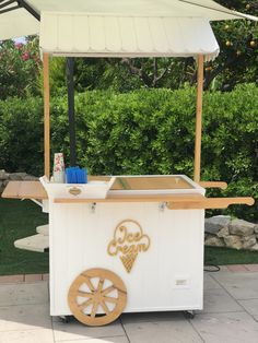 Play Ice Cream, Ice Cream Stand, Ice Cream Cart, Ice Cream Parlor, Food Cart Design, Food Truck Design, Mini Stand, Android Activity, Midnight Food