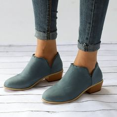 US$ 29.95 - Women Low Heel Round Toe Lace-Up Casual Boots - www.ebuytide.com Short Ankle Boots, Low Heel Ankle Boots, Low Heels, Ankle Booties, Heeled Boots, Shoes Heels, Shoe Boots, Pumps, Casual Heels