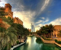 Dubai..I read everything I can get about it, watch all documentaries on it..one day I shall see it with my own eyes! #dubai #uae