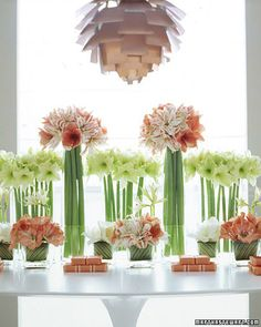 simple --- different flowers, very simple, two shades and one neutral green.