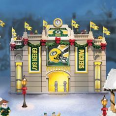 Green Bay Packers Illuminated Christmas Village Collection