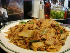 These Drunken Noodles are AMAZINGLY Quick and Restaurant Quality GOOD