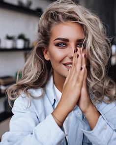 Ideas For Photography Poses Women Beauty Makeup Modeling Fotografie, Photography Poses Women, Photography Ideas, Blonde Photography, Beauty Photography, Photography Studios, Photography Equipment, Photography Business, Fashion Photography