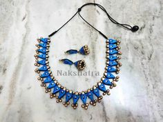 Colour : Blue and antique gold Length: Adjustable Colour may vary slightly due to photography and monitor setting Funky Jewelry, Clay Jewelry, Handmade Jewelry, Fashion Jewelry Stores, Fashion Jewellery, Teracotta Jewellery, Terracotta Jewellery Designs, Golden Color, Antique Gold