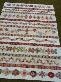 Heathton Manor Creations: Holidays and another quilt show.  Row quilt using several different EPP shapes.