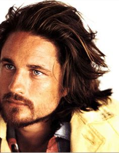 Martin Henderson yeah a little bit of a crush going on here
