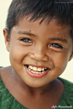 People by Jojie Alcantara Precious Children, Beautiful Children, We Are The World, People Around The World, Beautiful Smile, Beautiful People, Gorgeous Eyes, Child Face, Smiles And Laughs