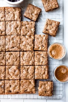 Espresso Chocolate Chip Blondies: An unforgettable,versatile, and genius base recipe that's jam packed with espresso and two kinds of chocolate. #blondie #espresso #chocolatechip #baking #dessert #bar #peppermint #cookie #brownie #holiday