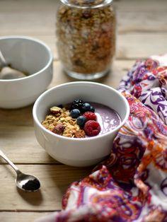 Açaí yogurt bowl with buckwheat granola