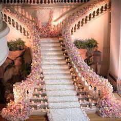 Wedding; Flower Decoration; Bride And Groom; Wedding Scene; Romantic Wedding; Country Wedding;Venues