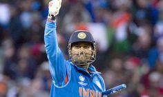 ધોની ભારતના માસ્ટર બ્લાસ્ટર સચિન તેડૂંલકર બાદ આ પુરસ્કાર જીતનારો બીજો ભારતીય ખેલાડી બન્યો છે