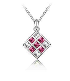 """Très jolie collier en cristal """"Love cube"""" www.merveilledebijoux.fr"""