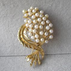 Big Beautiful Signed LISNER Faux Pearl Bouquet Pin, Vintage Brooch