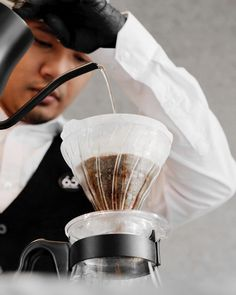 V60 Coffee, Coffee Maker, Kitchen Appliances, Coffee Maker Machine, Diy Kitchen Appliances, Coffee Percolator, Home Appliances, Coffee Making Machine, Coffeemaker