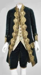 Los macaronis llevaban cuellos drapeados, una corbata rematada con encaje tomó su nombre. Su estilo era abiertamente afeminado.