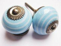 112 Porseleinen kastknop Blauw met witte strepen