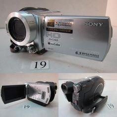 SONY  HDR-UX7  ※液晶のバックライトが点灯しません。 SONY  DCR-TRV9  ※ハンドストラップ欠損。外観にベタつき。 SONY  HDR-UX5  ※電源OK。ディスクトレイにサビ。