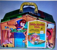Little Kiddles Klub Clubhouse...In the house along with a few little kiddles dolls....!!!!
